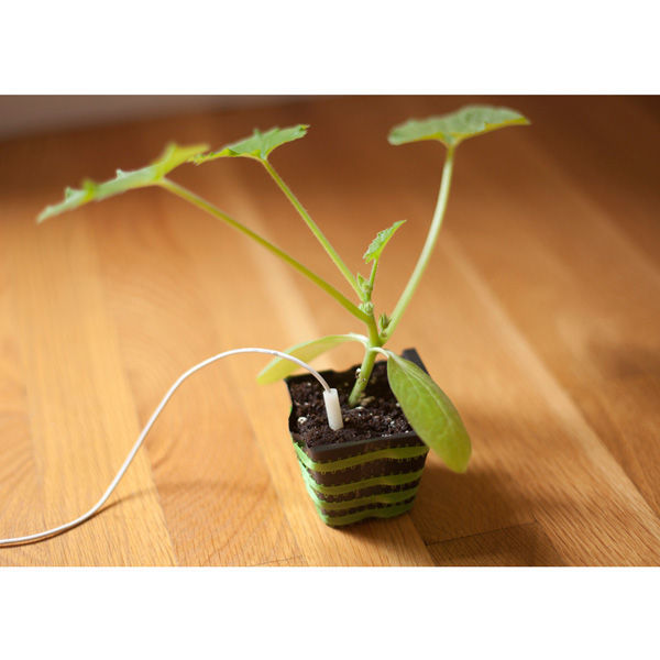 Earth & Grow Starter Kit - Connects 6 Plants Image