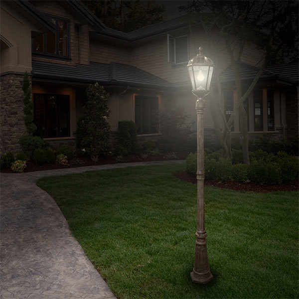 Solar Royal Lamp Post with Single Lamp Head Image