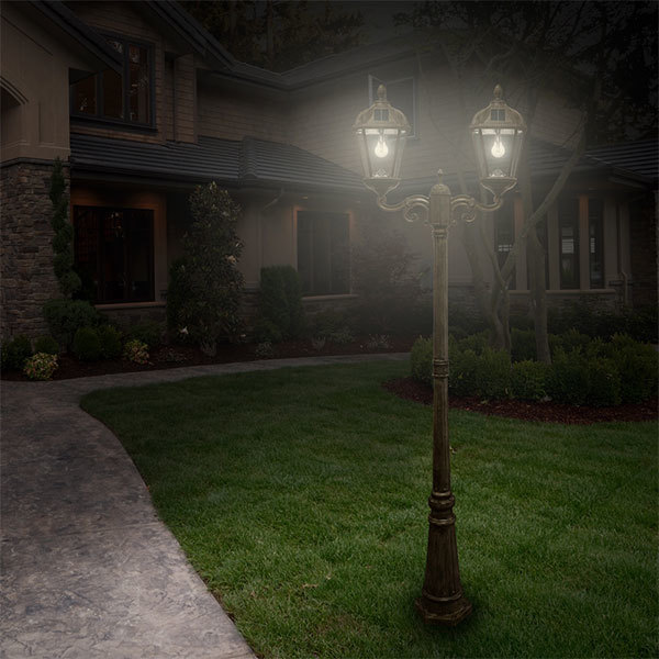 Solar Royal Lamp Post with Double Lamp Heads Image