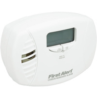 First Alert CO615B - Carbon Monoxide Alarm - Detects CO Hazard - AC Powered, Plug-In with Battery Backup - Digital Display